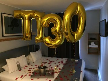Anniversary letters balloons