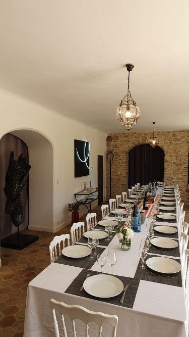 Les espaces de restauration : salle à manger jusqu'à 26 personnes