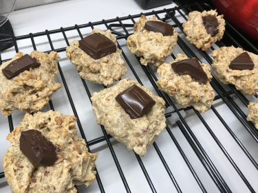 Healthy Oat and Chocolate Cookies by Heiki
